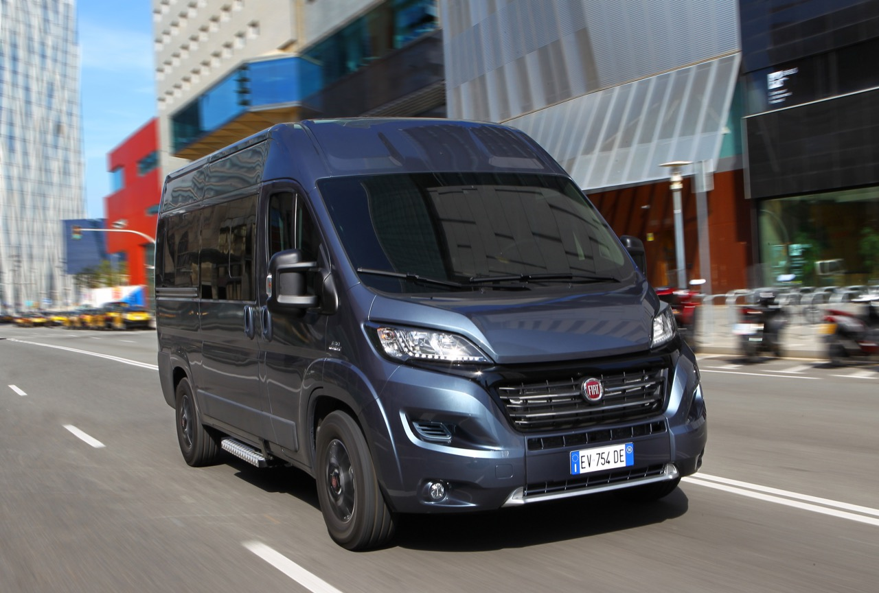 fiat ducato 4x4 expedition e nuovo panorama 30 37. Black Bedroom Furniture Sets. Home Design Ideas