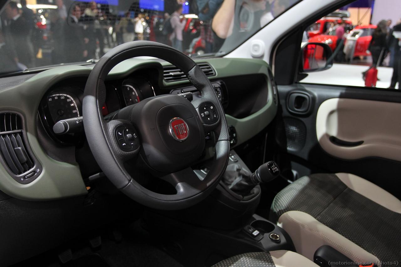 Fiat panda 4x4 salone di parigi 2012 4 16 for Immagini panda 4x4