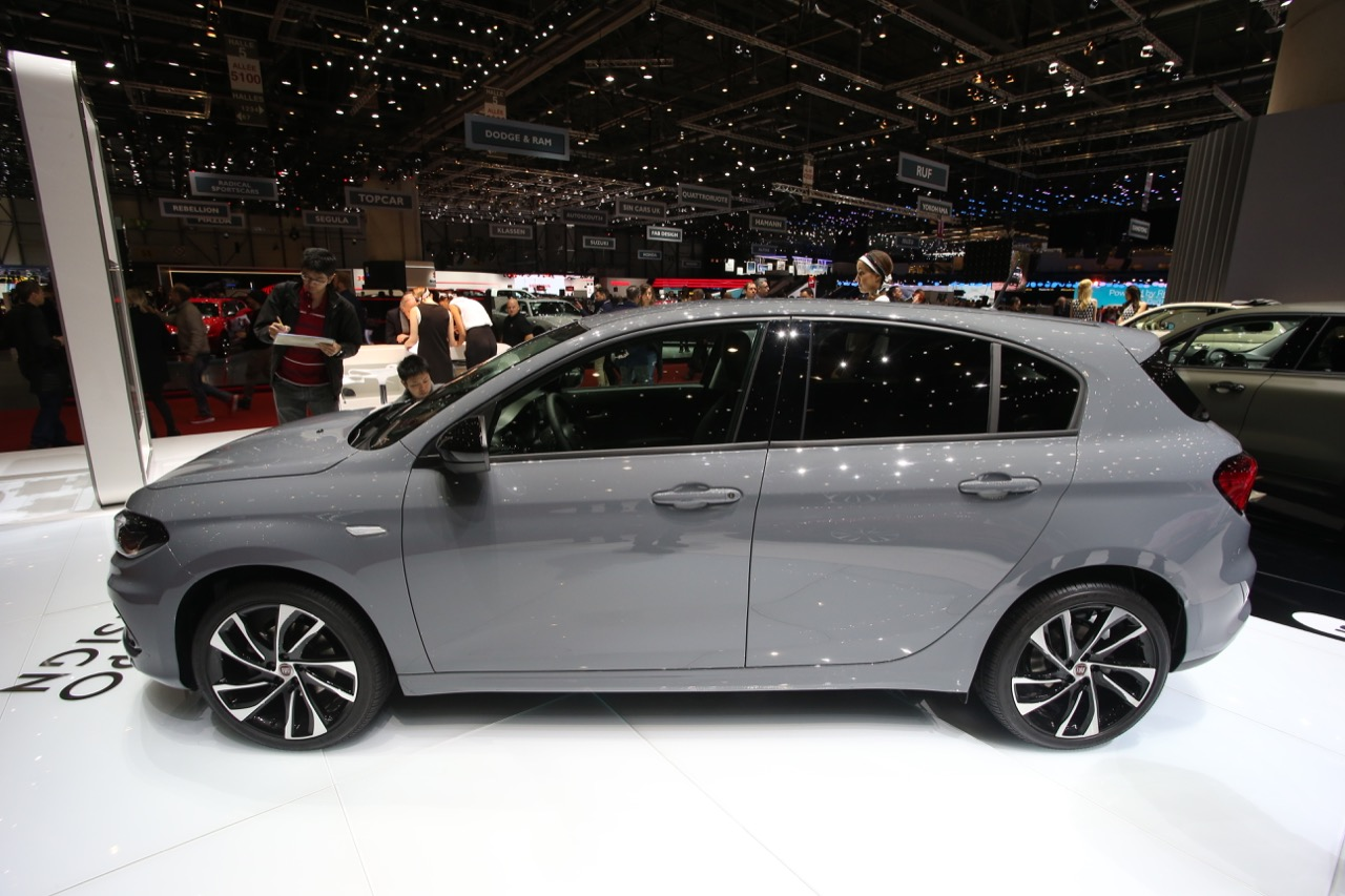 Fiat tipo s design foto live salone di ginevra 2017 for S design photo