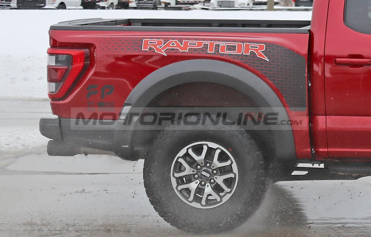 Ford F-150 Raptor 2021 - Foto spia 17-02-2021