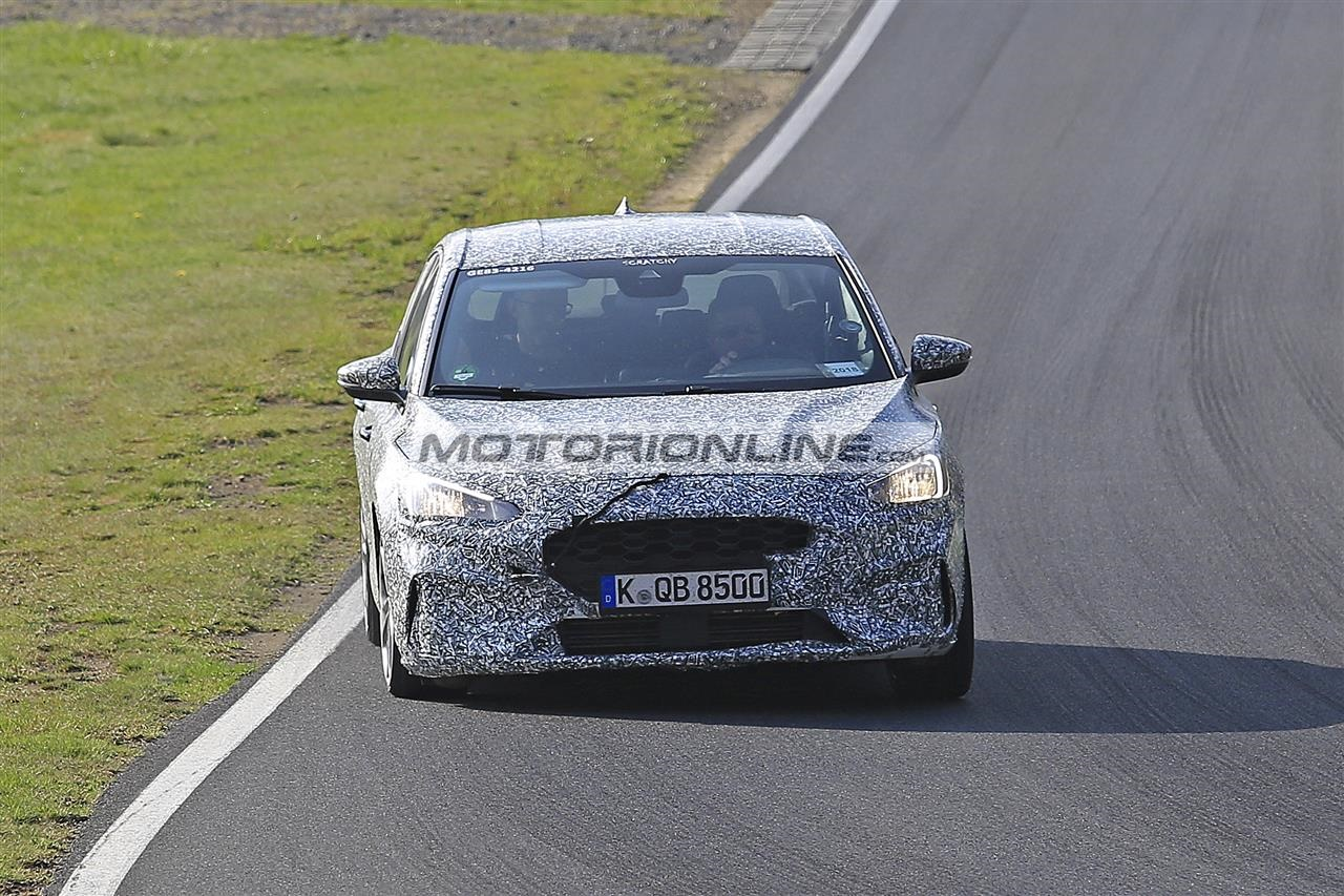 Ford Focus ST foto spia 17-4-2018