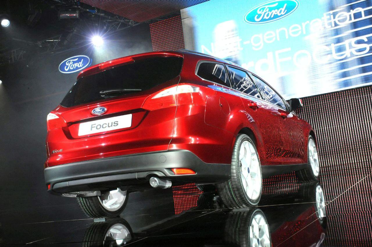 Ford Focus station wagon 2011