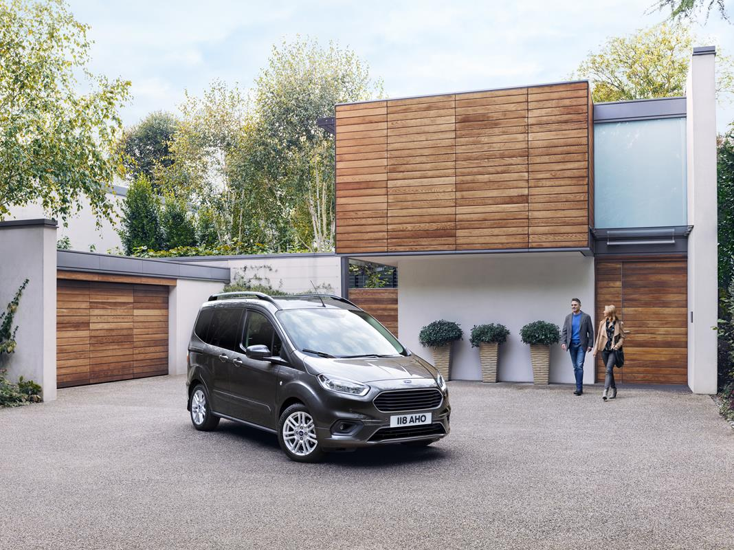 Ford Tourneo Connect e Tourneo Courier MY 2018