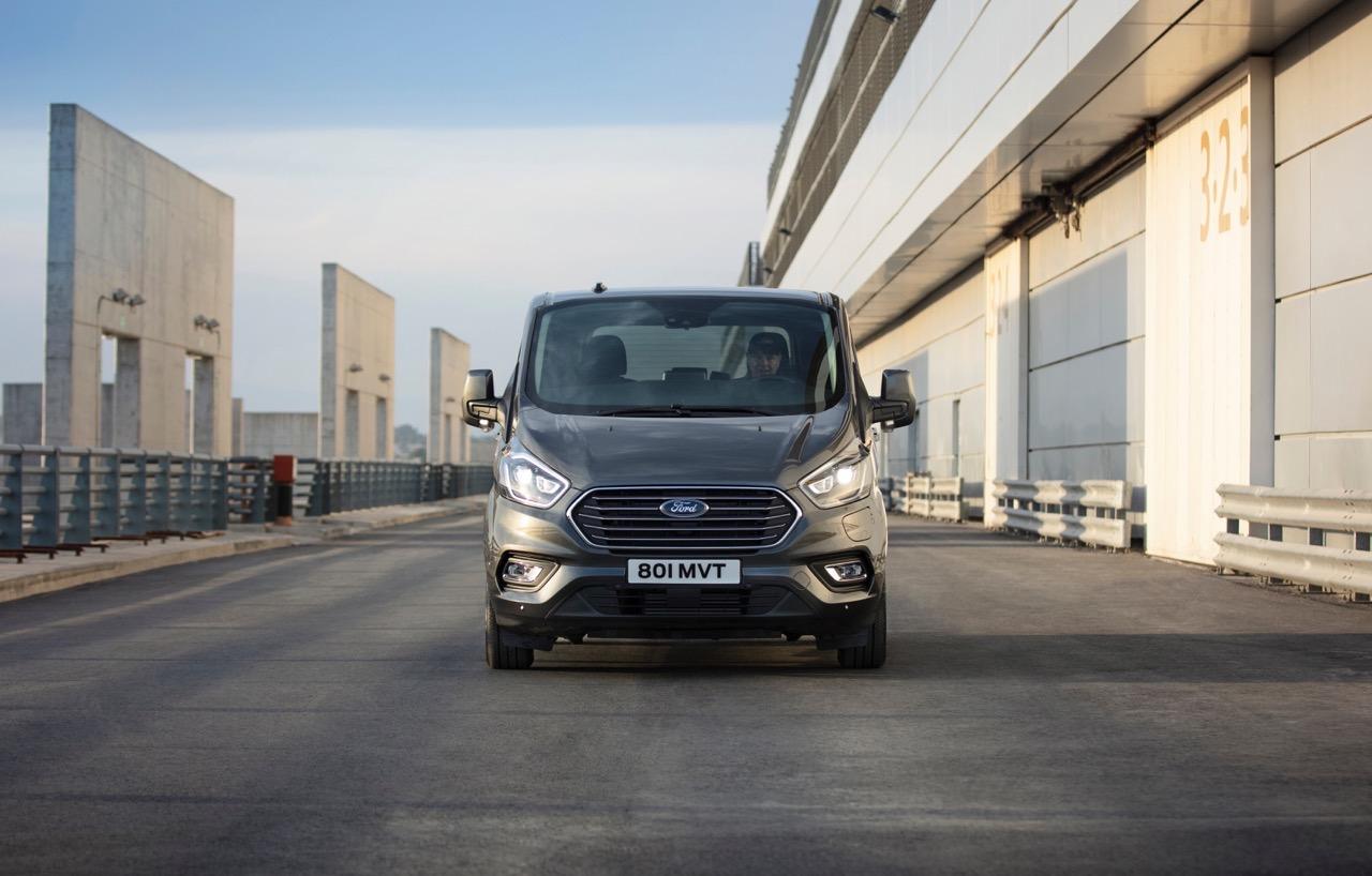 Ford Tourneo Custom Plug-in Hybrid - Foto ufficiali