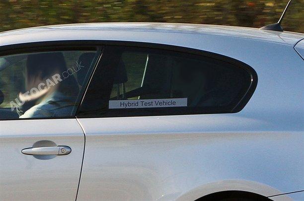 Foto spia della BMW Serie-1 ibrida