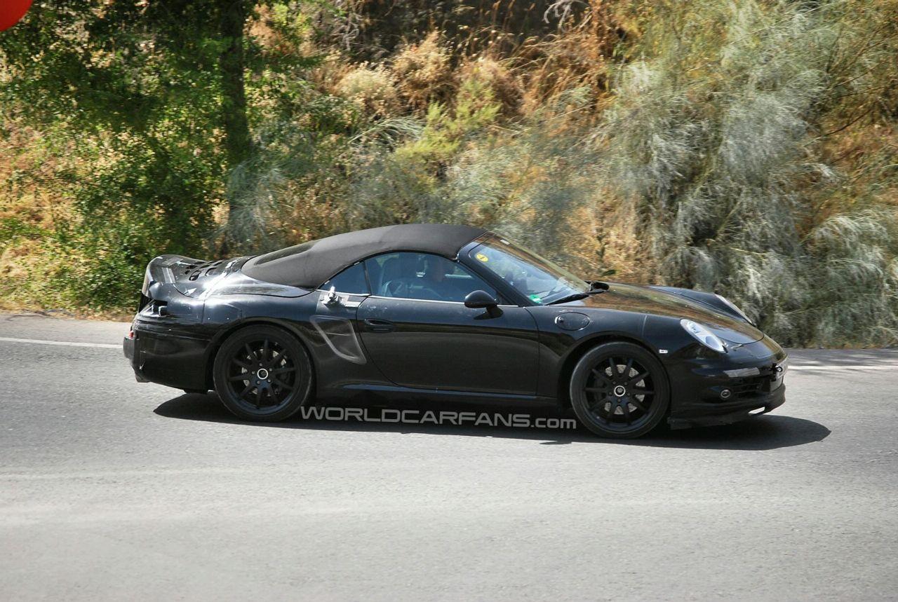Foto spia della Porsche 911 Cabriolet