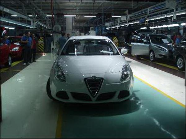Foto spia dell'Alfa Romeo Milano