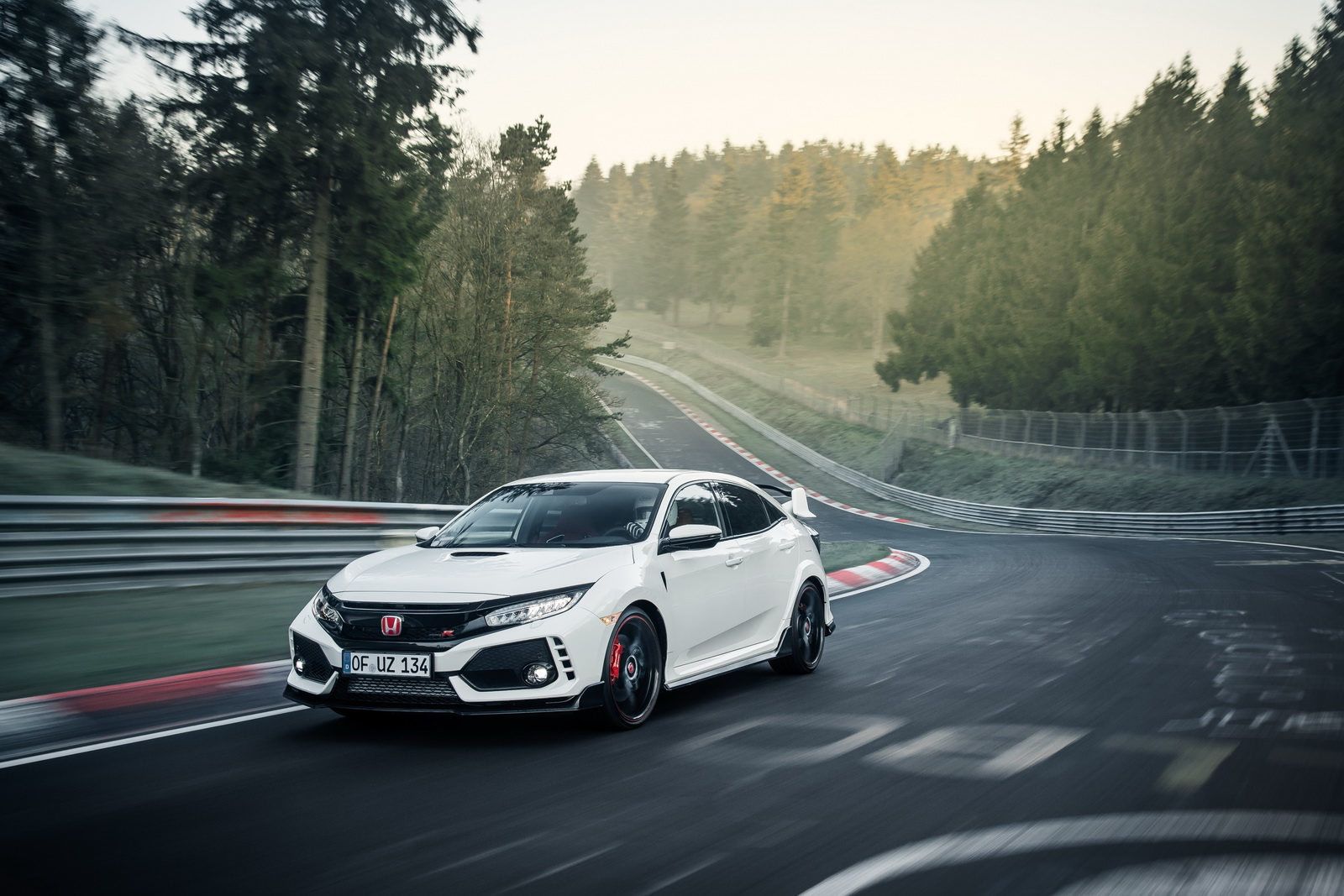 Honda Civic Type R MY 2017 - Record al Nurburgring