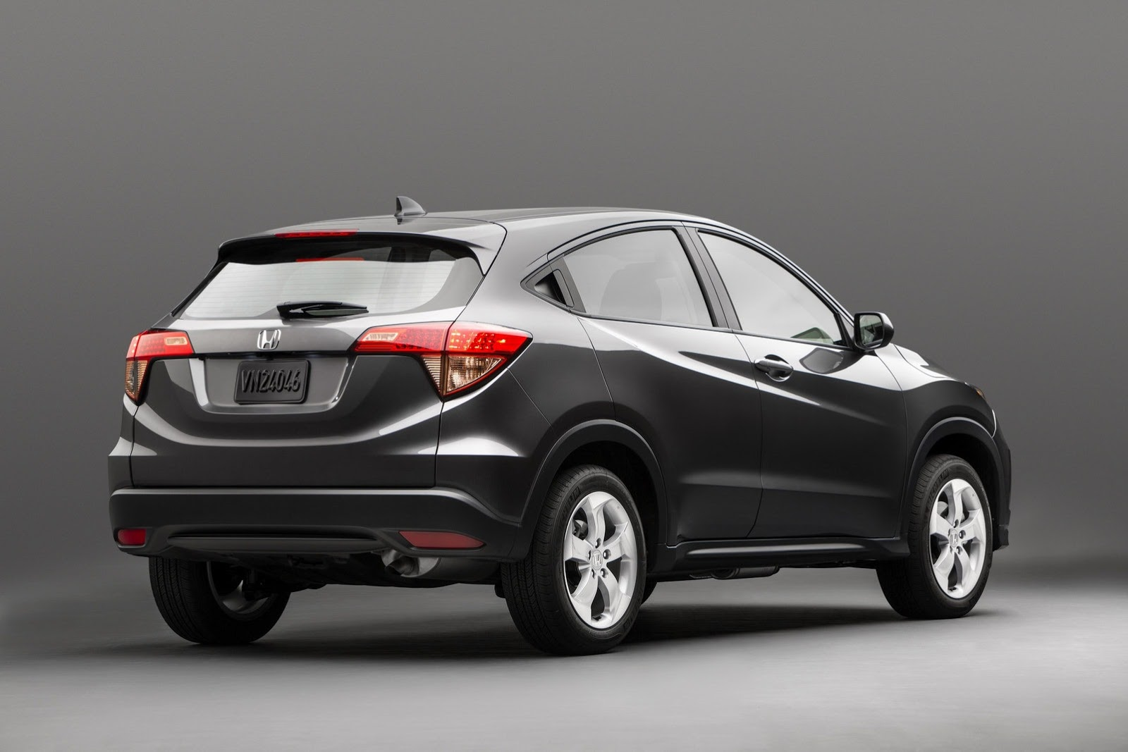 Honda hr v 2015 4 5 for Buick encore vs honda hrv