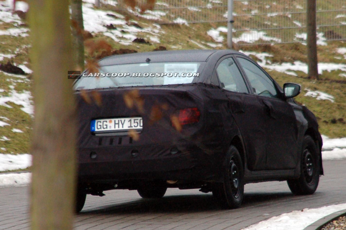 Hyundai Elantra O Accent Foto 5 Di 6