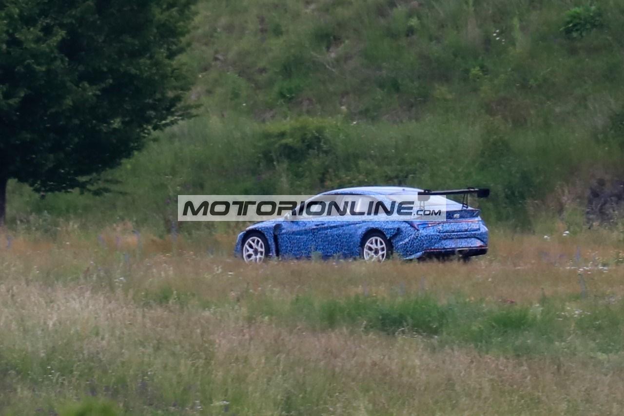 Hyundai Elantra TCR - Foto spia 17-6-2020