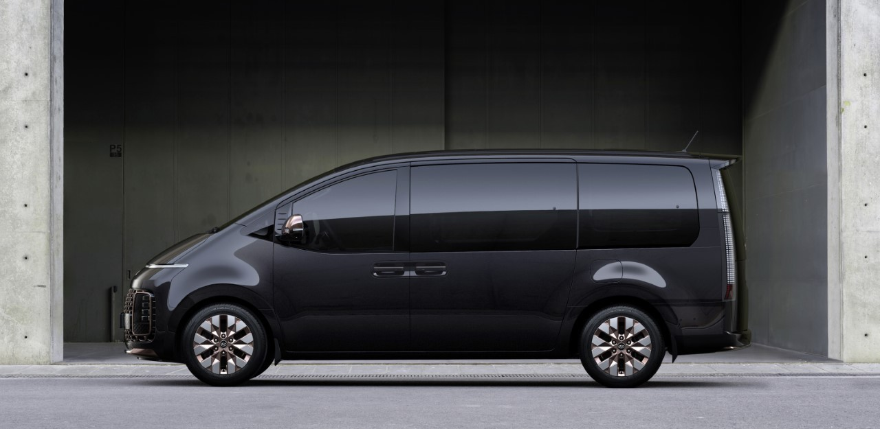 Hyundai Staria - Prime immagini ufficiali