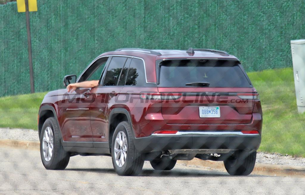 Jeep Grand Cherokee 2022 - Foto spia 13-08-2021