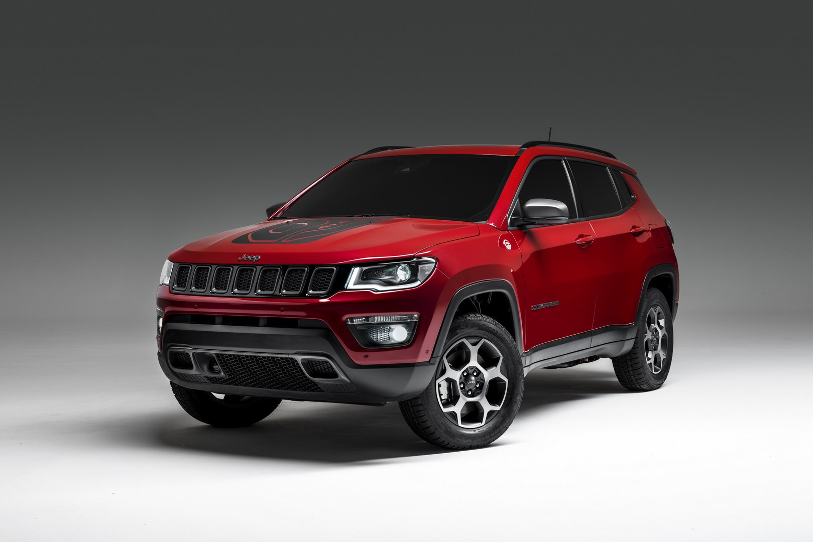 Jeep Renegade e Compass PHEV ibride plugin foto ufficiali - Salone di Ginevra 2019