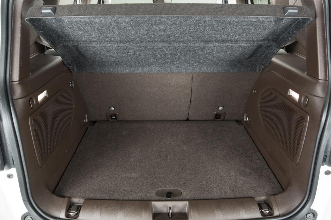 jeep renegade limited 16 64. Black Bedroom Furniture Sets. Home Design Ideas