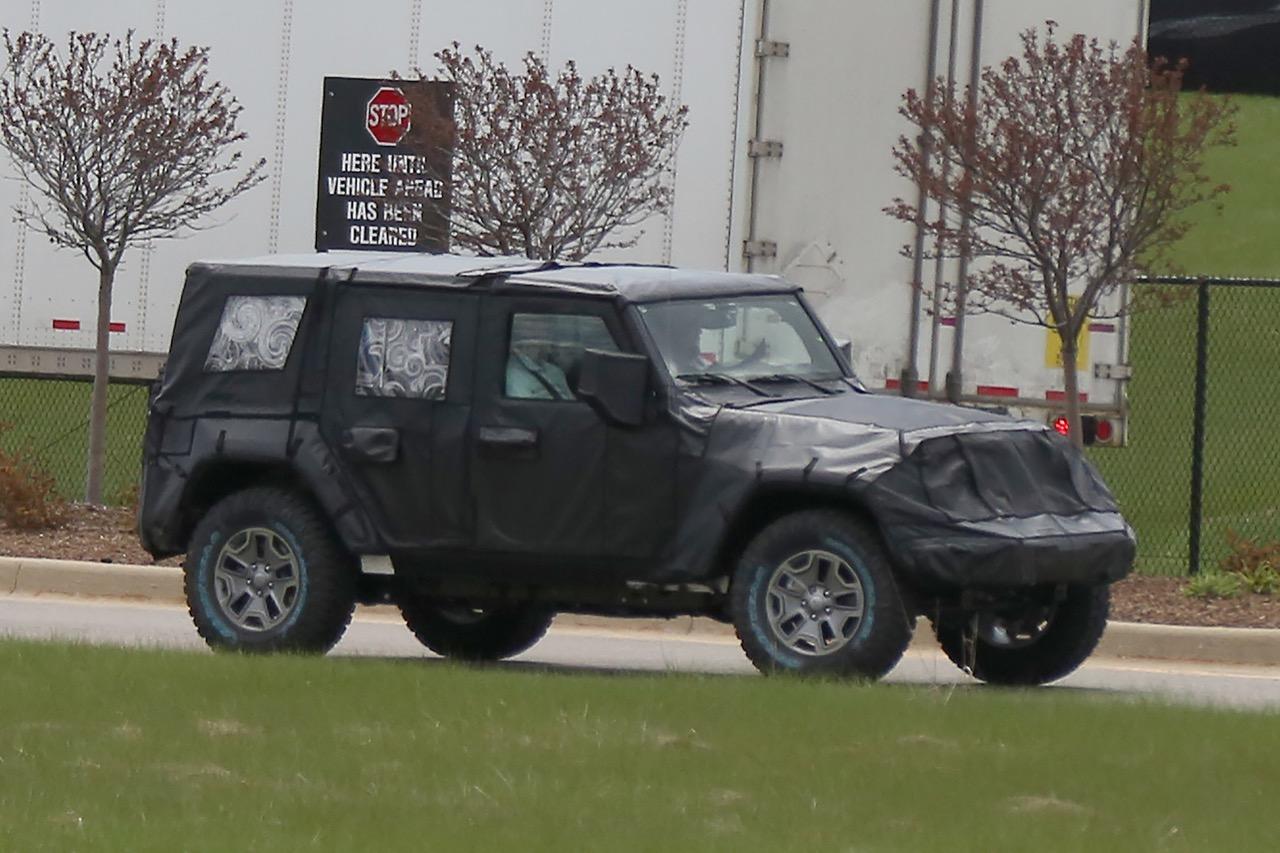 Jeep Wrangler - foto spia maggio 2016