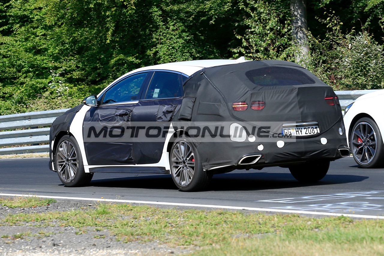 Kia Proceed GT - Foto spia 23-8-2018