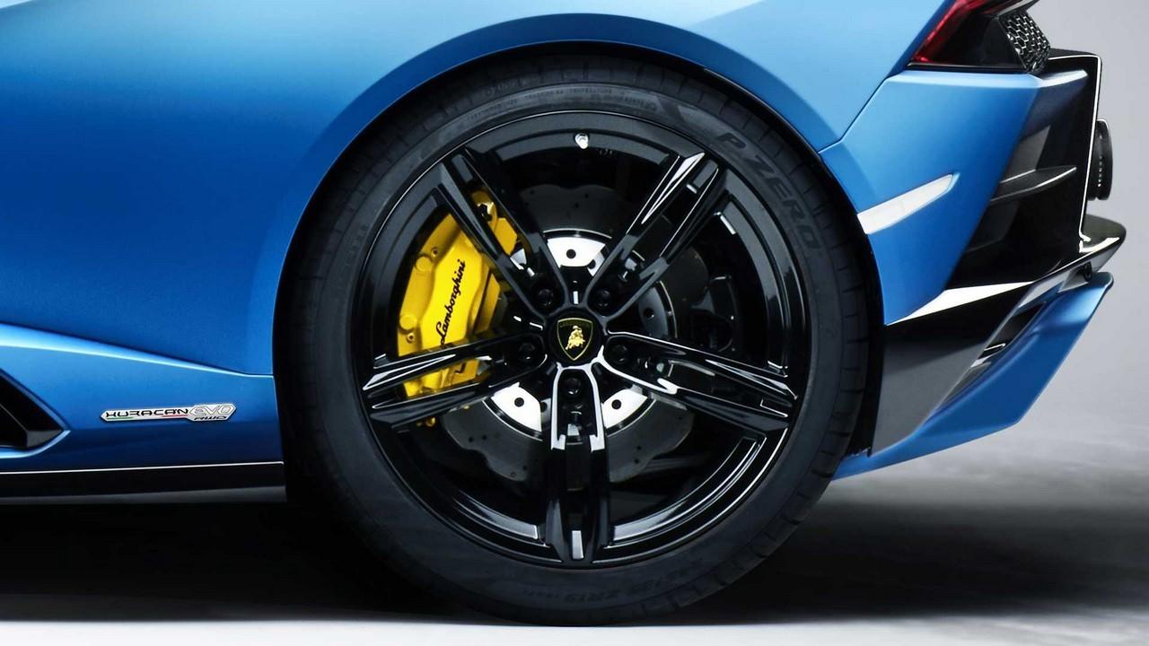 Lamborghini Huracan EVO RWD Spyder 2020