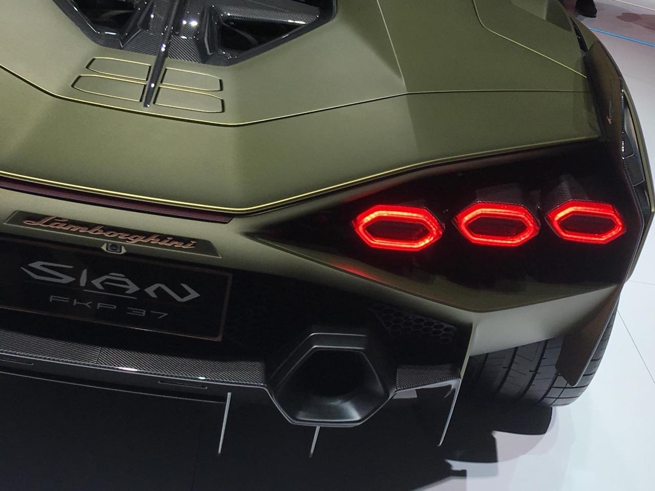 Lamborghini Sian FKP 37 - Salone di Francoforte 2019