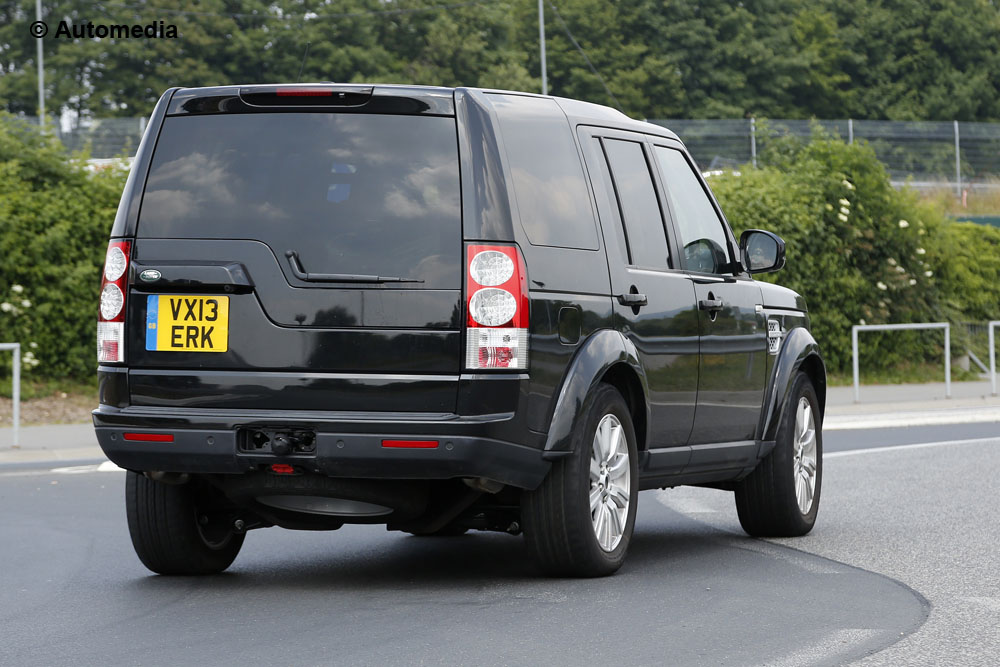 Land Rover Discovery 2014 - Foto spia 18-07-2013