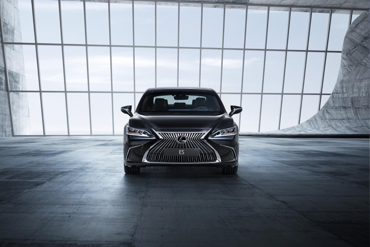 Lexus ES Hybrid - apertura degli ordini