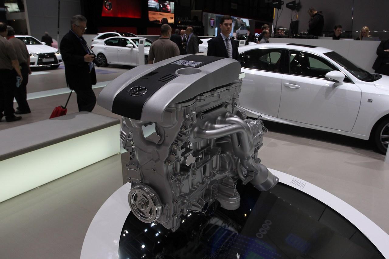 Lexus IS 300h - Salone di Ginevra 2013