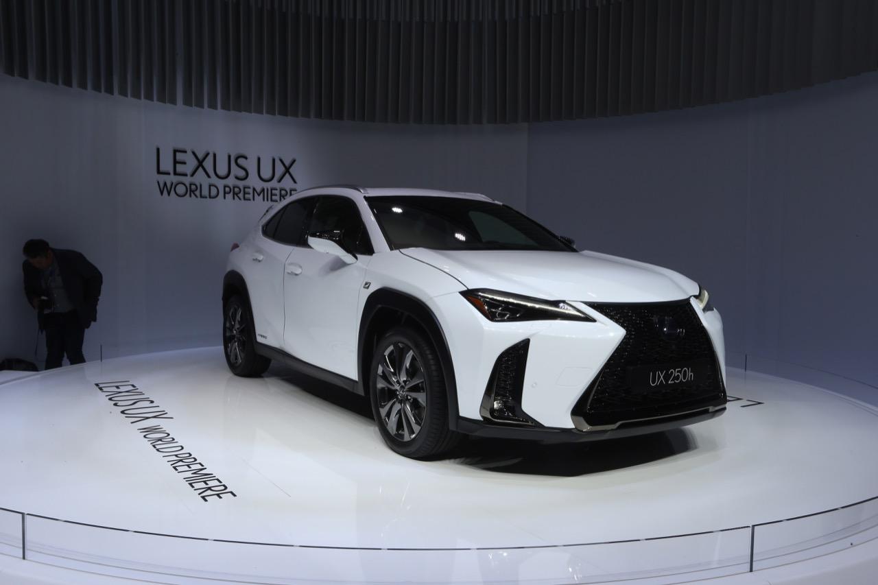 Lexus UX (foto live) - Salone di Ginevra 2018