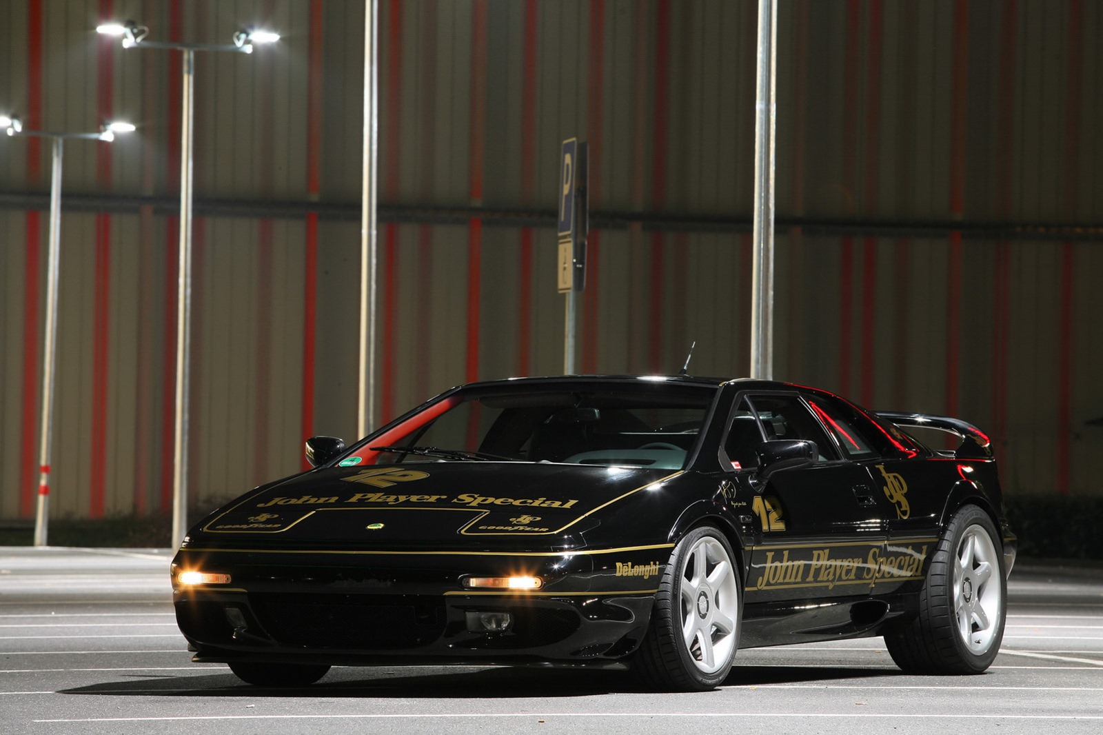 Lotus Esprit by Cam-Shaft