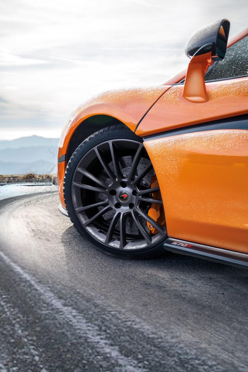 McLaren e Pirelli - gamma Sports Series inverno 2017