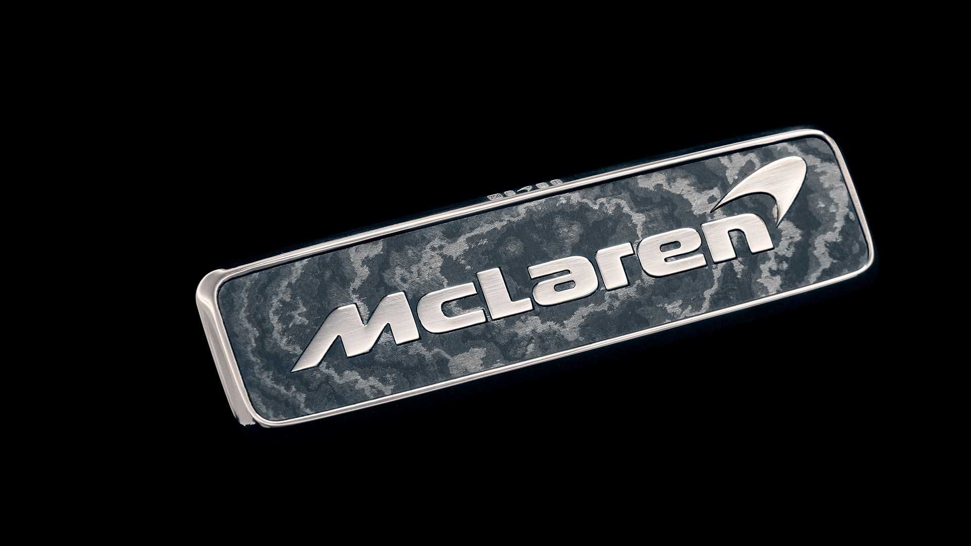 McLaren Speedtail - Gold badge