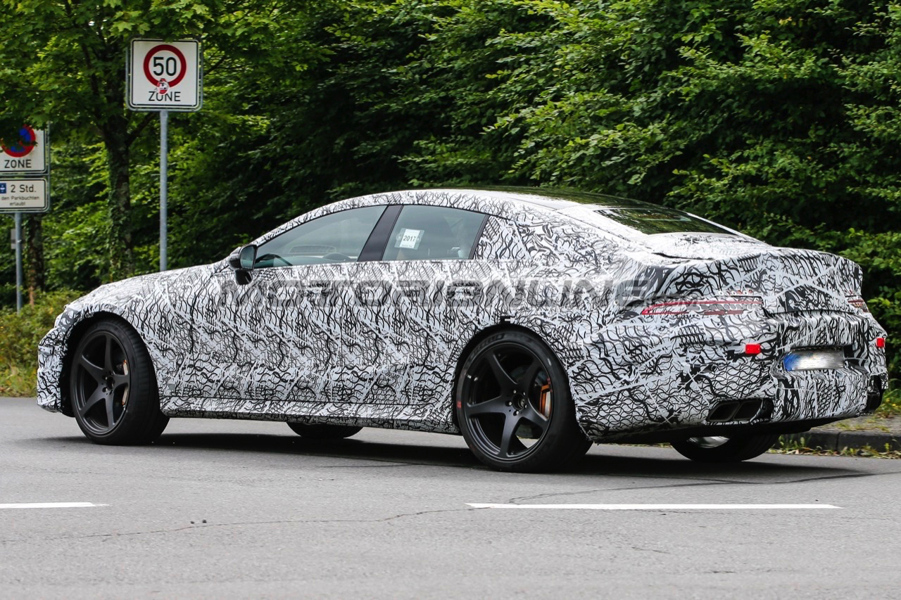 Mercedes-AMG GT 4 porte - Foto spia 12-08-2017