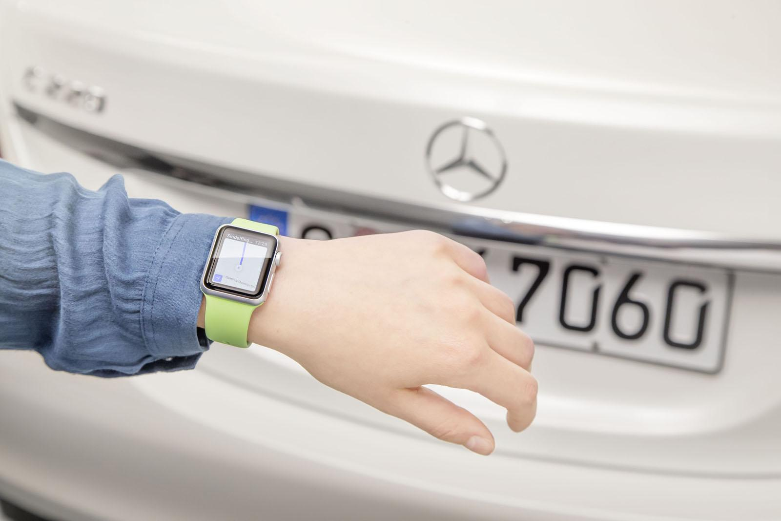 Mercedes app Apple Watch