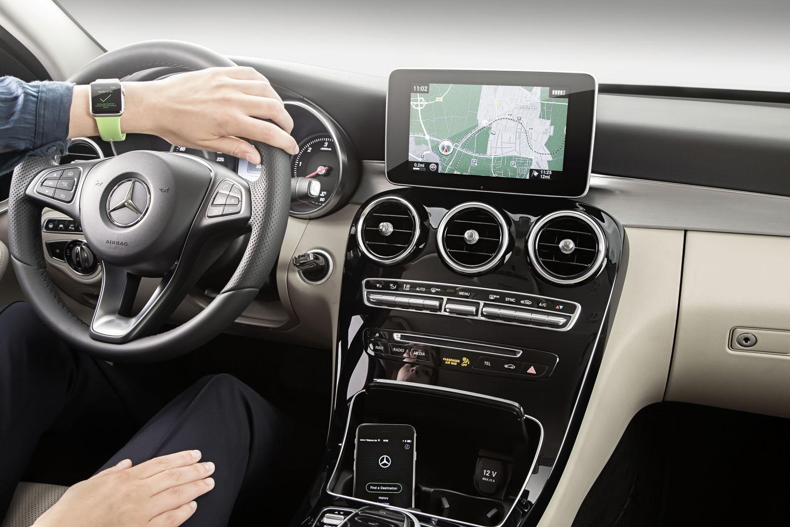 Mercedes app Apple Watch