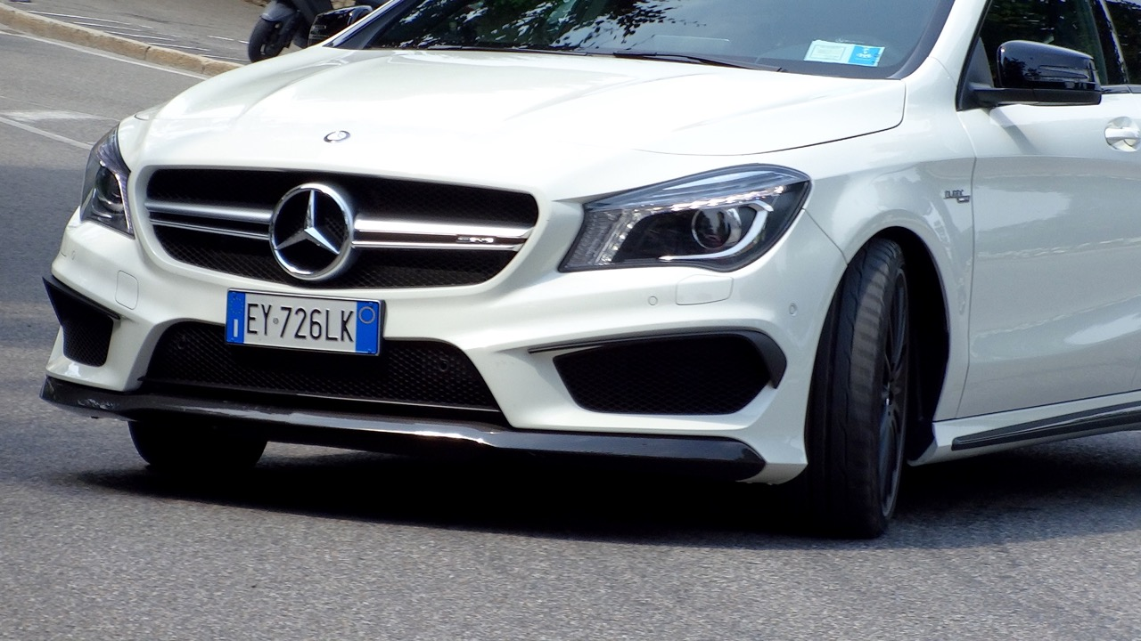 Mercedes CLA 45 AMG Shooting Brake - Performance Tour Brembo