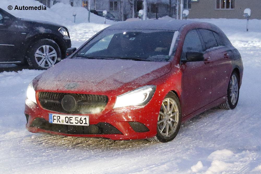 Mercedes CLA Shooting Brake 2015 - Foto spia 24-01-2014