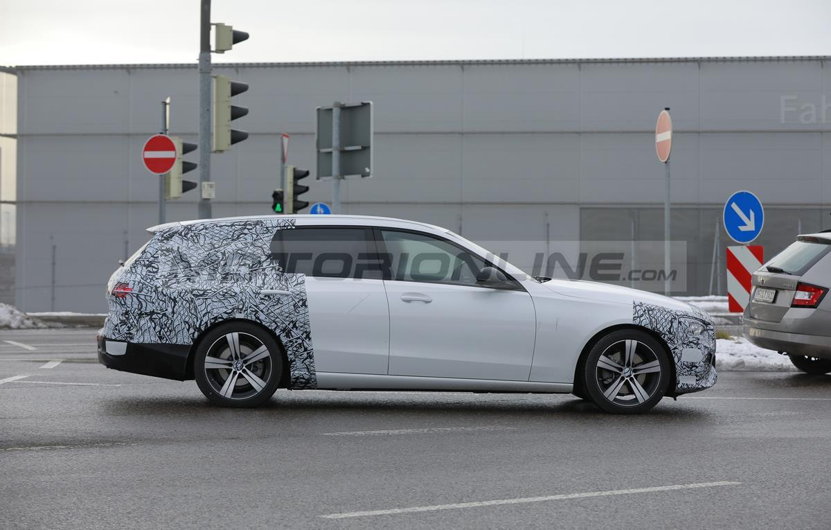 Mercedes Class C Station Wagon 2021 - Foto spia 22-01-2021