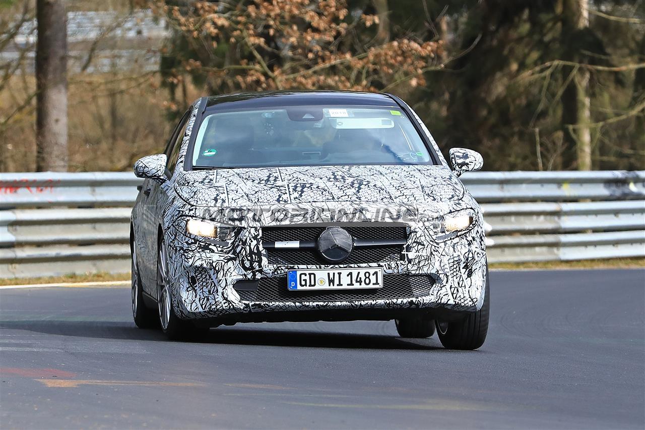 Mercedes Classe A sedan foto spia 28-3-2018
