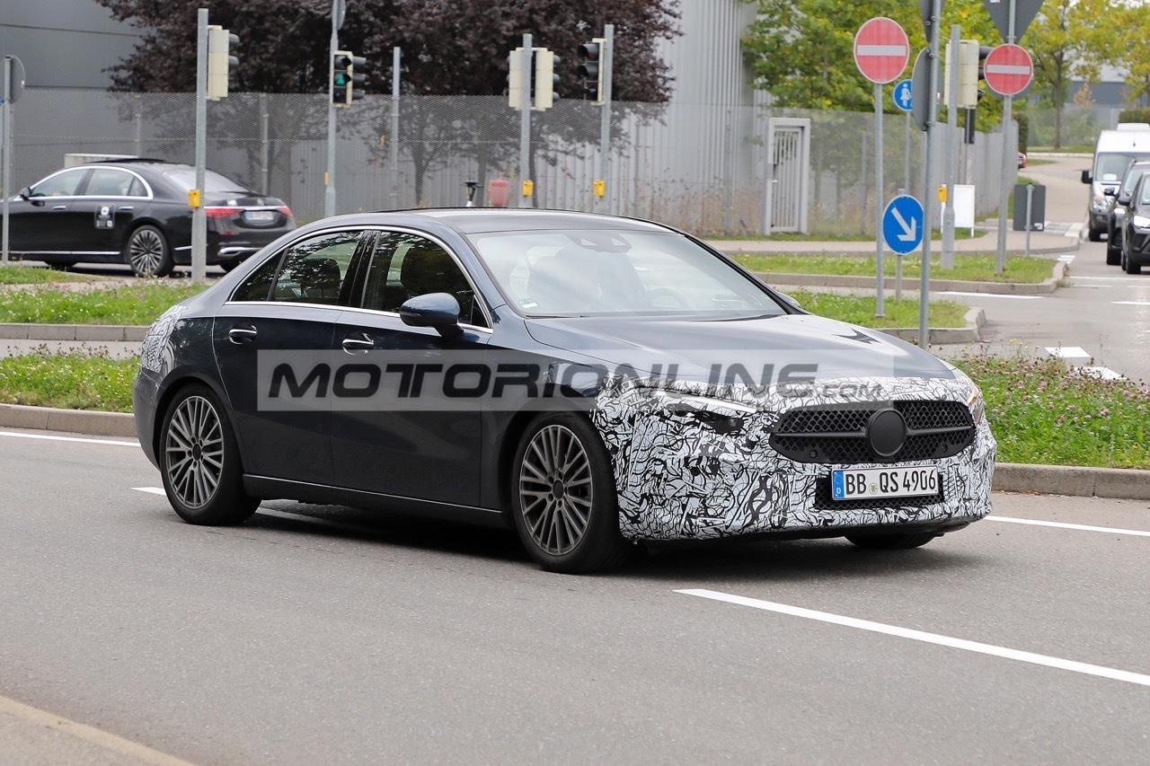 Mercedes Classe A Sedan - Foto spia 8-10-2021