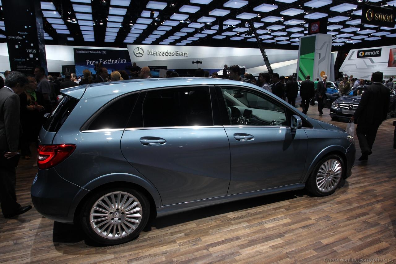 mercedes classe b 200 natural gas drive salone di parigi 2012 7 8. Black Bedroom Furniture Sets. Home Design Ideas