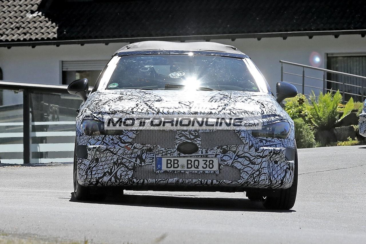 Mercedes Classe C cabrio - Foto spia 15-6-2021