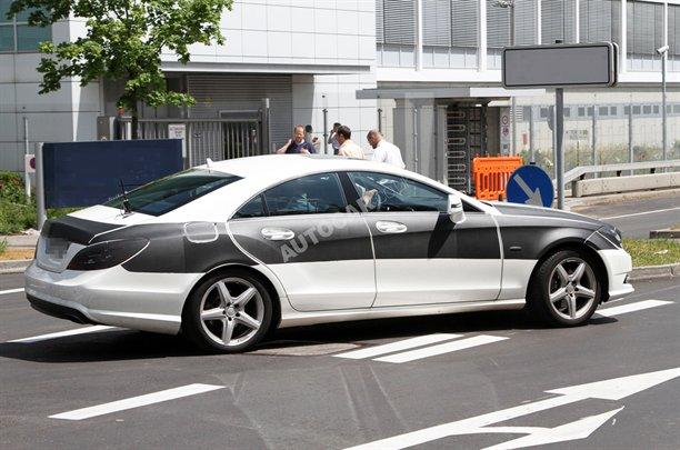 Mercedes CLS 2011 - Foto spia 02-08-2010