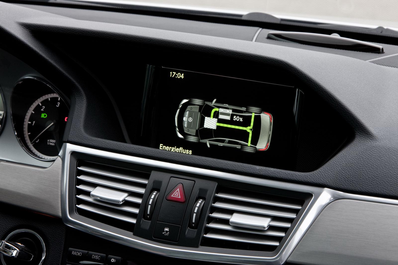 Mercedes E300 BlueTECH 2011