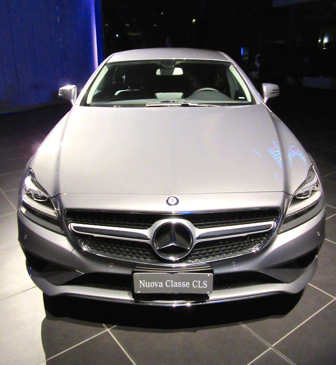 Mercedes Feed the Senses