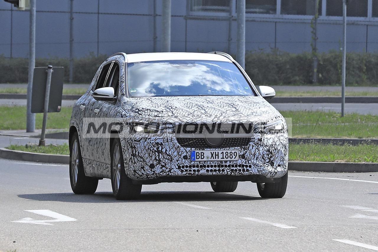 Mercedes GLA - Foto spia 24-7-2019
