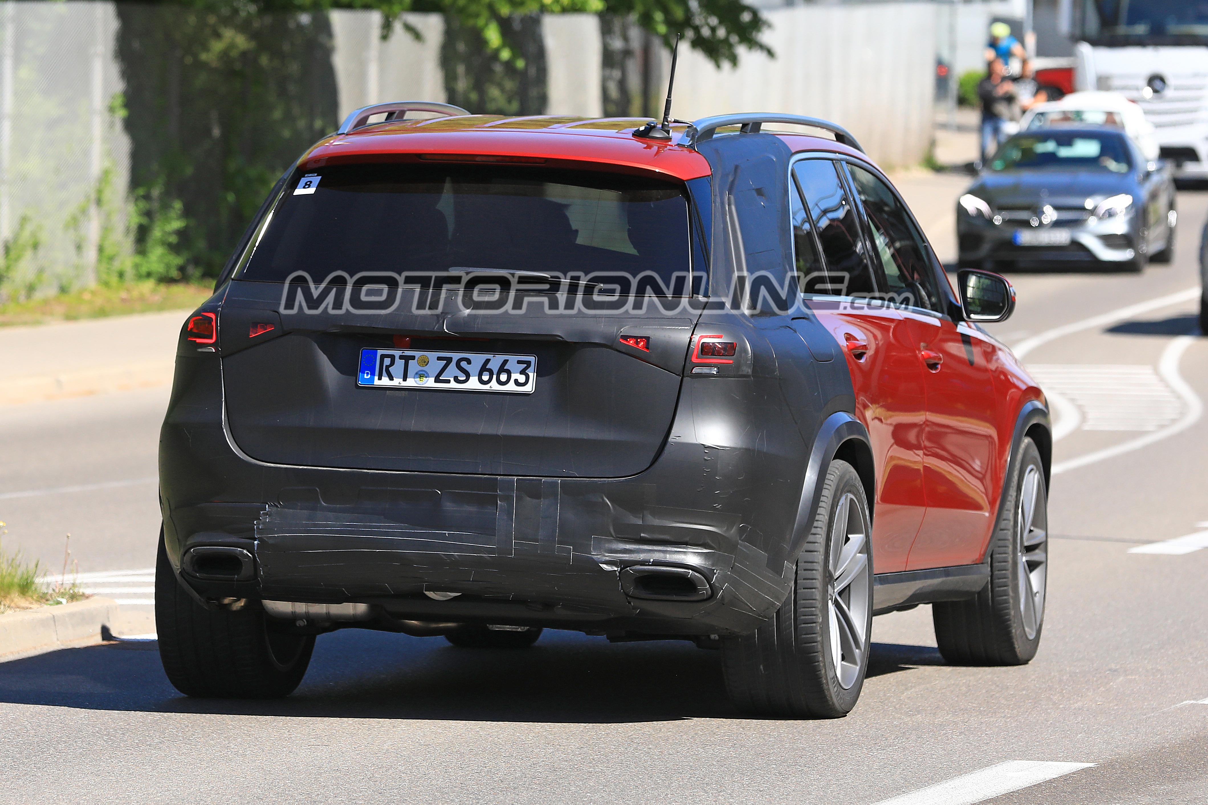 Mercedes GLE foto spia 9 maggio 2018