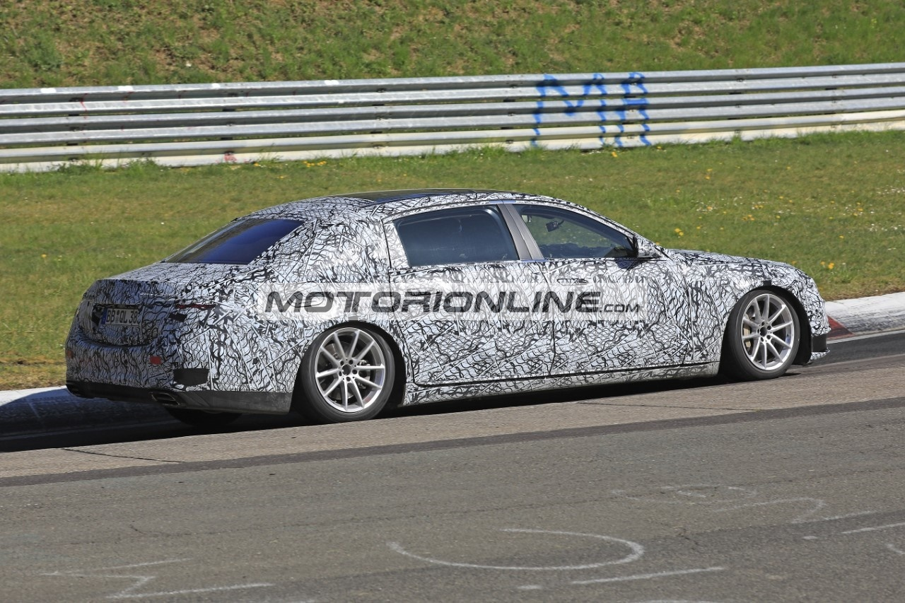 Mercedes-Maybach Classe S - Foto spia 21-4-2020