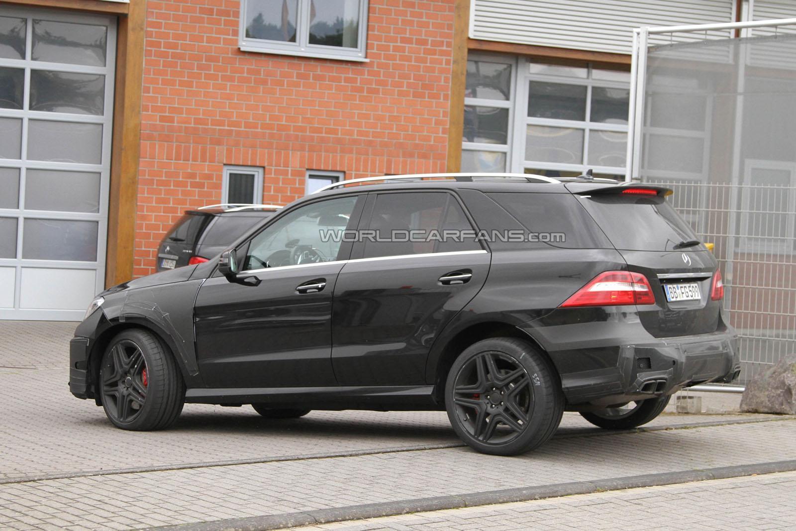 Mercedes ML63 AMG 2012 foto spia agosto 2011