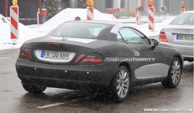 Mercedes SLK - Foto spia del 12 marzo 2010