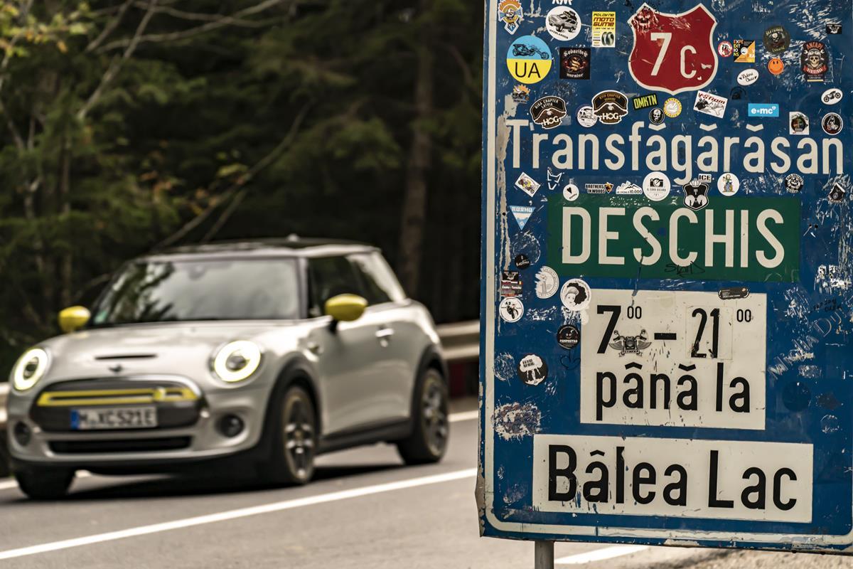 Mini Cooper SE - Transfagarasan Road