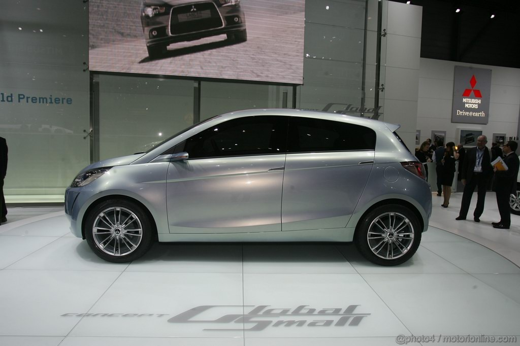 Mitsubishi Global Small Ginevra 2011